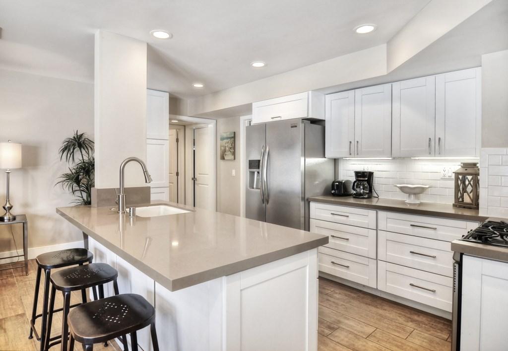 Newport beach vacation rental kitchen island