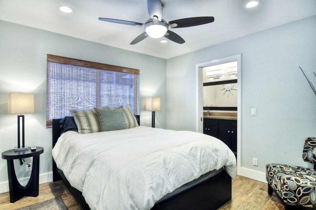 Newport beach vacation rental master bedroom