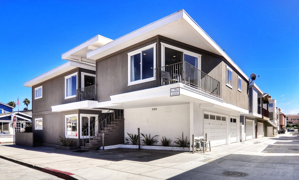 Newport beach vacation rental one house to beach