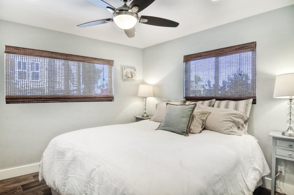 Newport beach vacation rental second bedroom