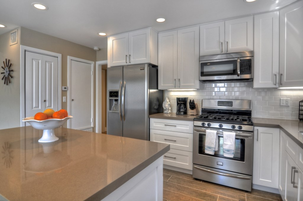 Newport Beach vacation rental kitchen