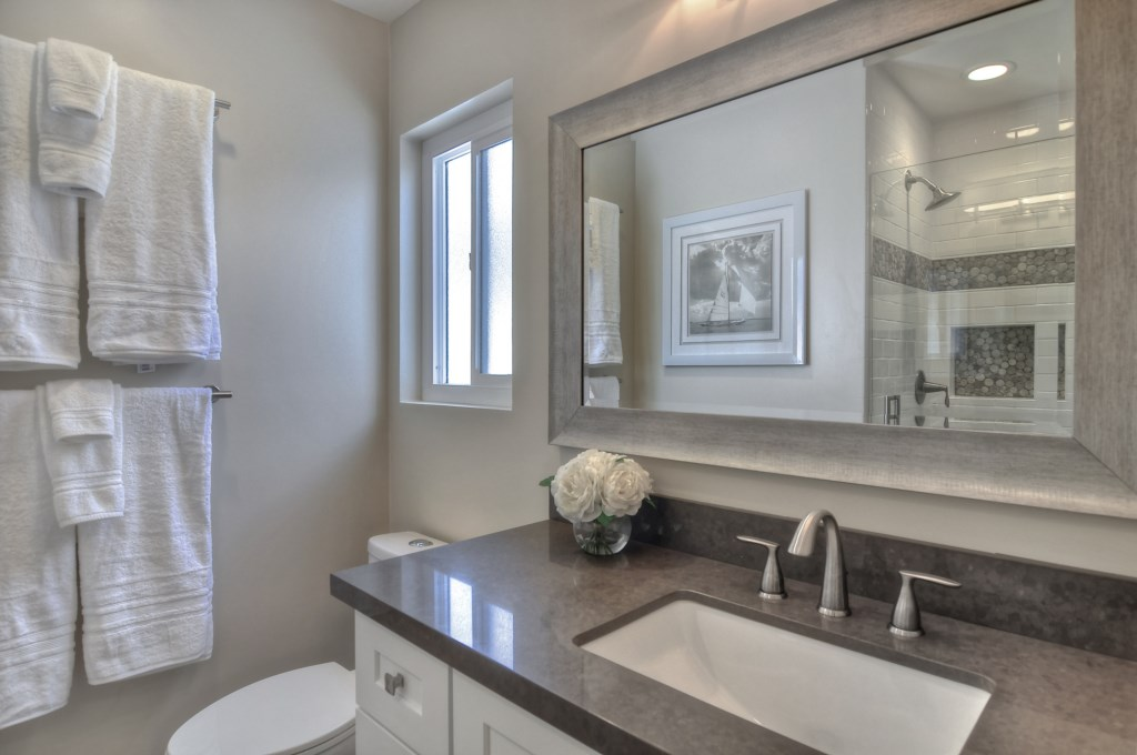 Newport Beach vacation rental master bathroom