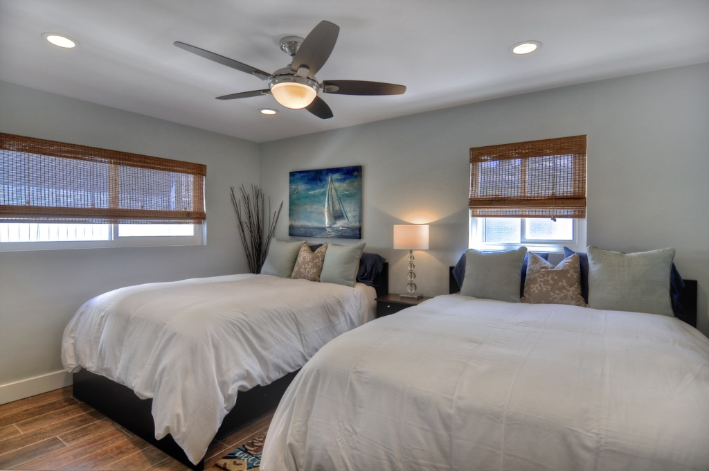 Newport Beach vacation rental two queen bedroom