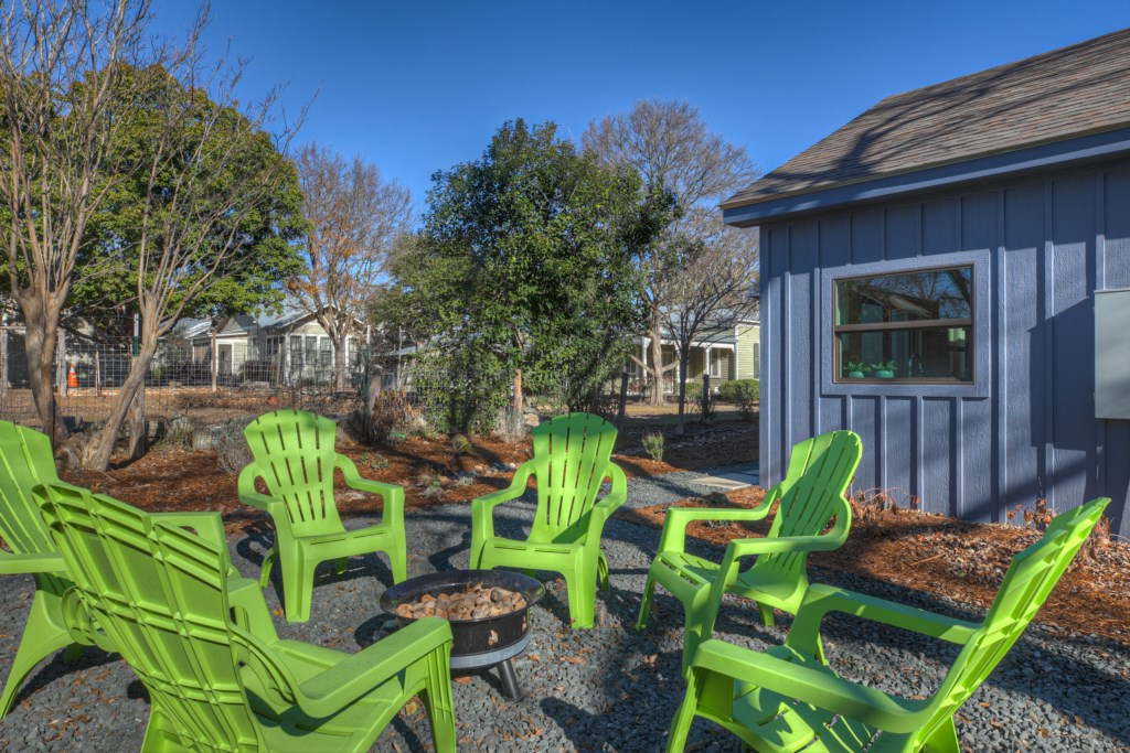 Back House Outdoor Area Photo 1 of 2