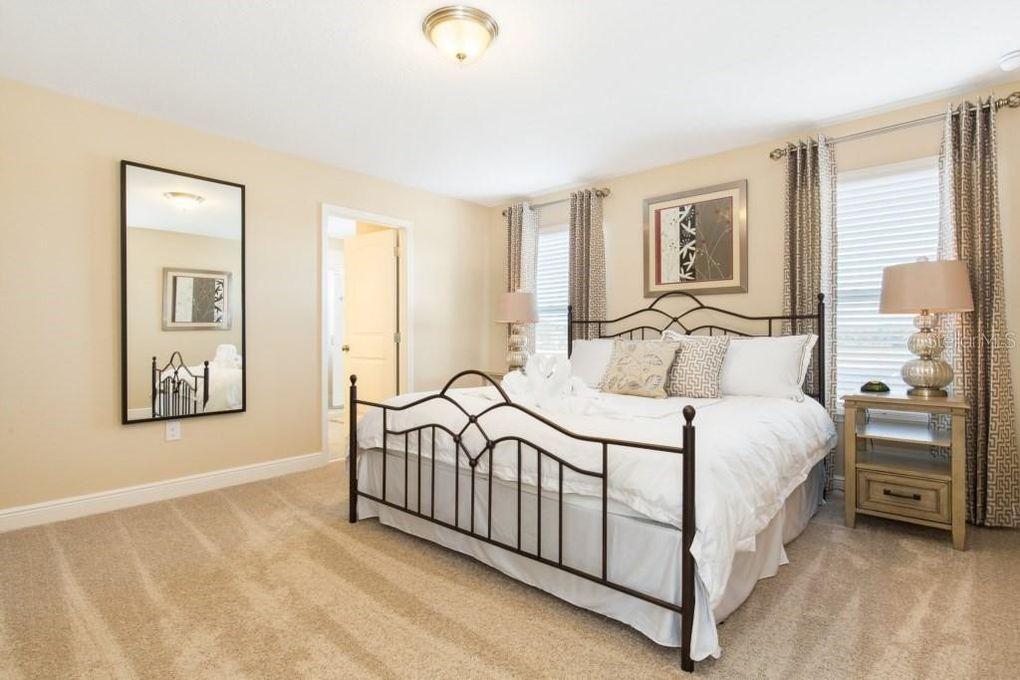 "Bedroom 4 - King bed, private 32"" TV (Roku), walk in closet, en suite bathroom"