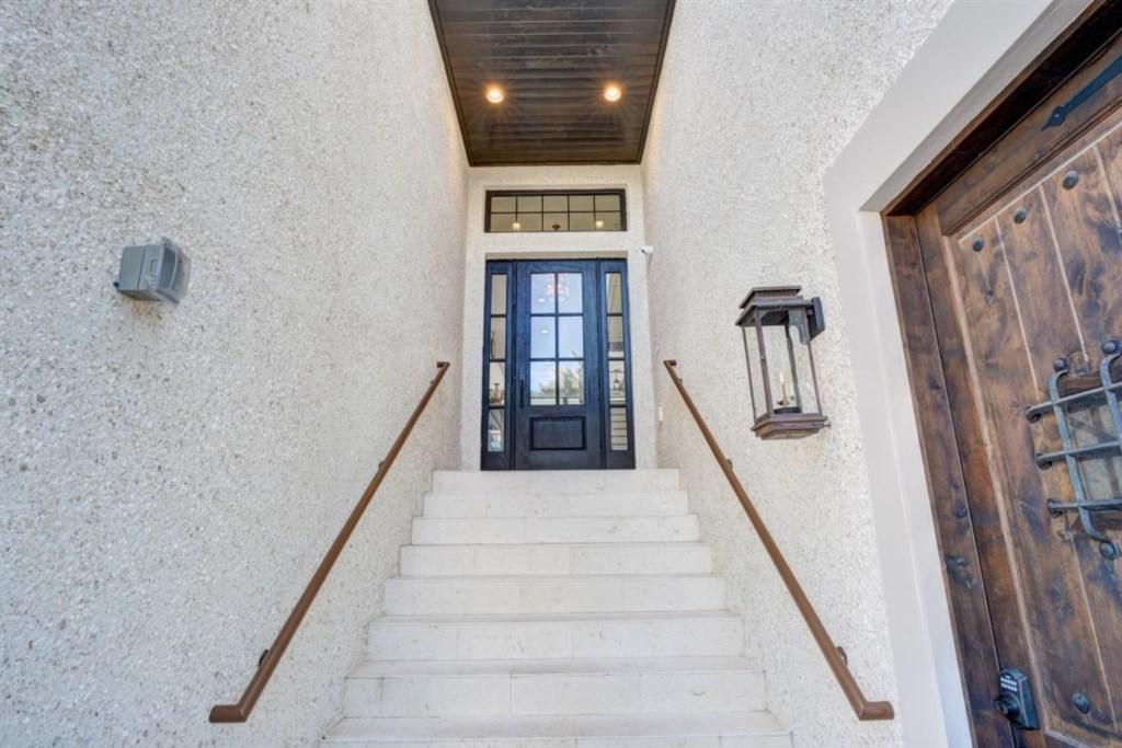 029-Entrance.jpg