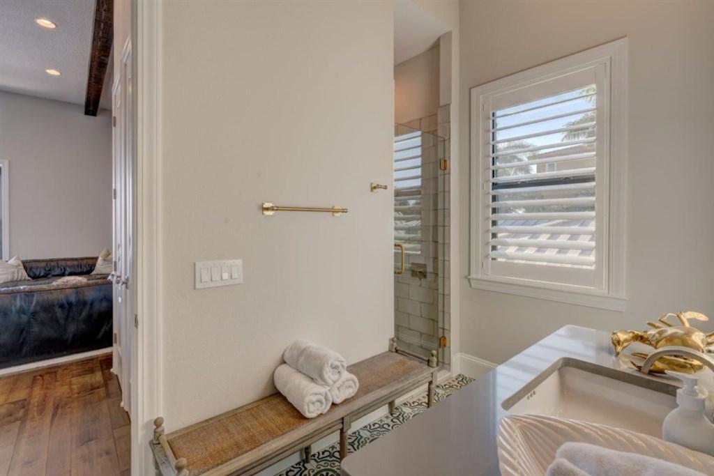 036-Bathroom.jpg
