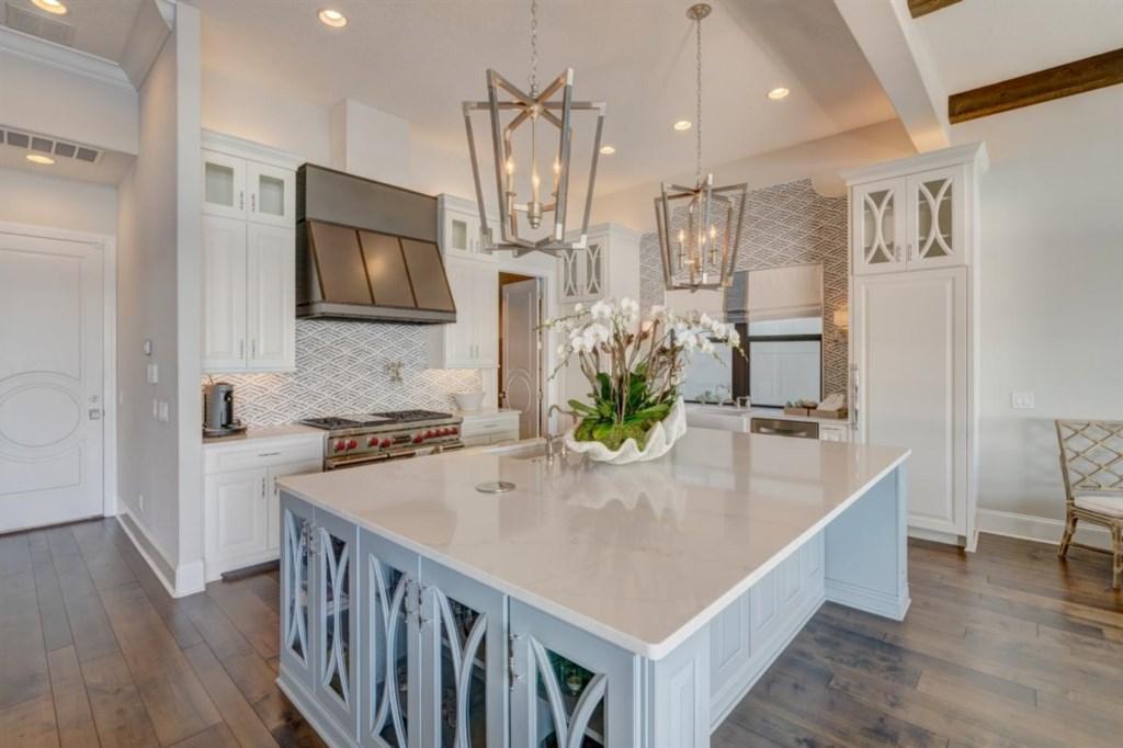 039-Kitchen.jpg