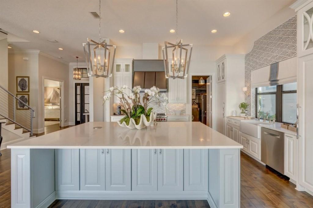040-Kitchen.jpg