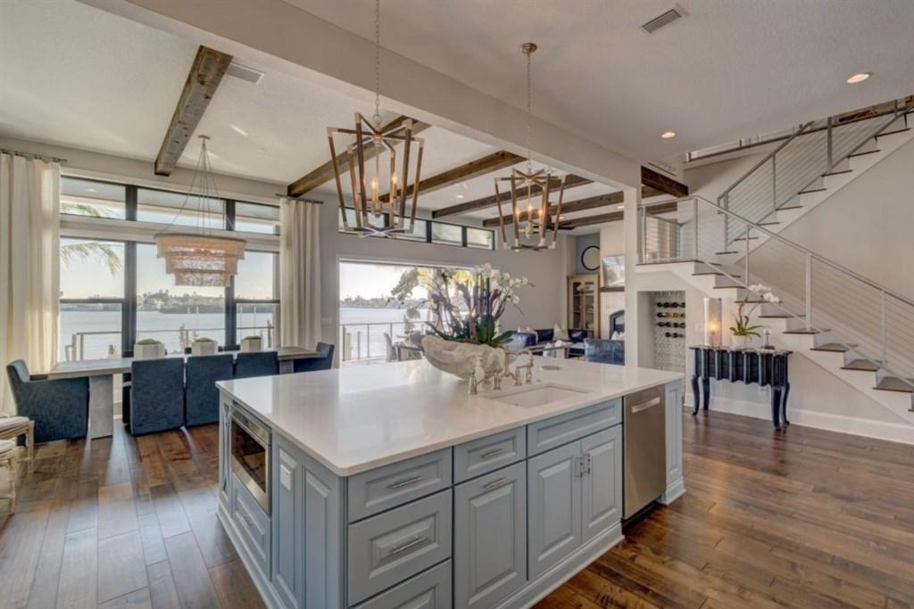 044-Kitchen.jpg