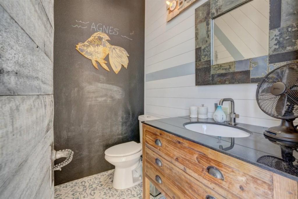 063-Outside Bathroom.jpg