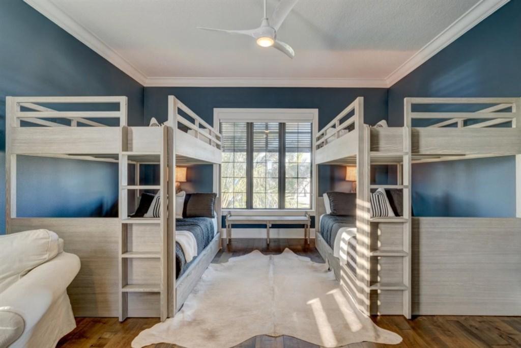 091-Bedroom.jpg