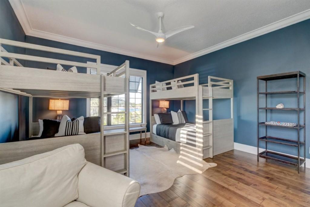 092-Bedroom.jpg