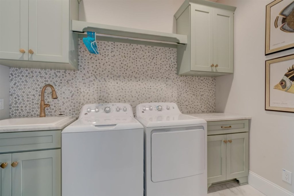 102-Laundry Room.jpg
