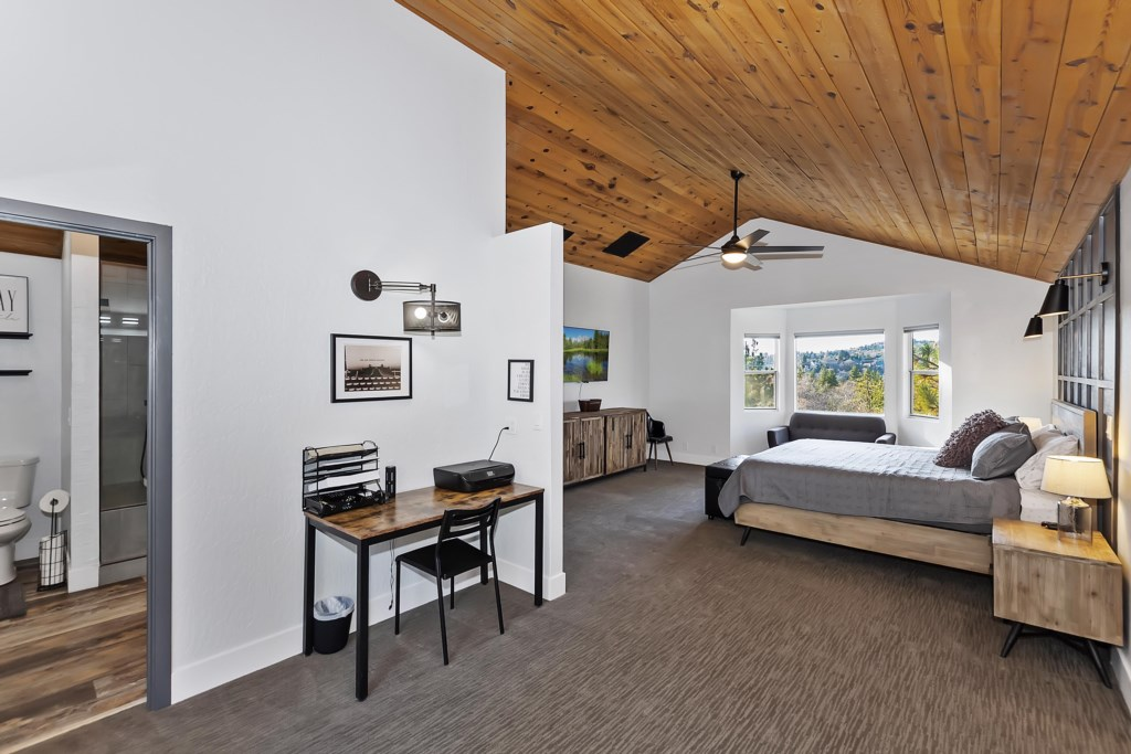 Upper Level Master King Bedroom with Deck space