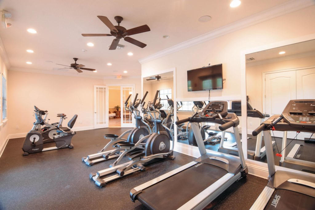 GYM/ Clubhouse available for you, NO extra costs. 3 min. walking!