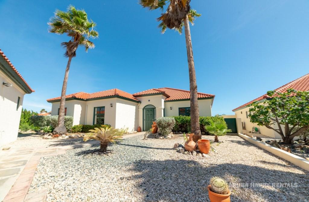 Front Villa MV55.jpg