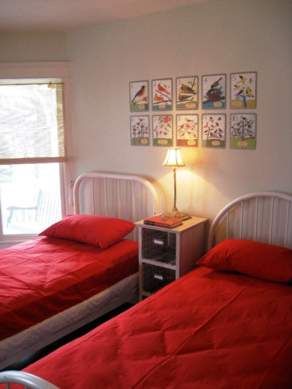 230_Central_Twin_Bedroom