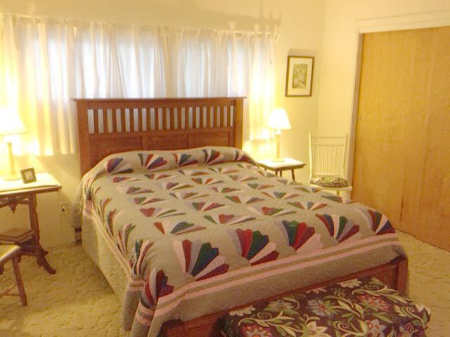 Bedroom.one.640x480