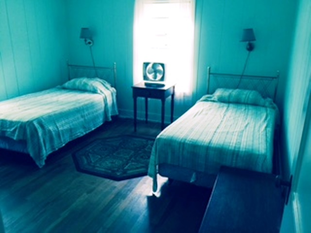 upstairstwinbedroom