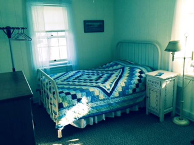upstairsyellowbedroom