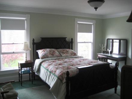 3.26.12_103_W._2nd_Bedroom
