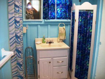 414_Oak_Bathroom_005