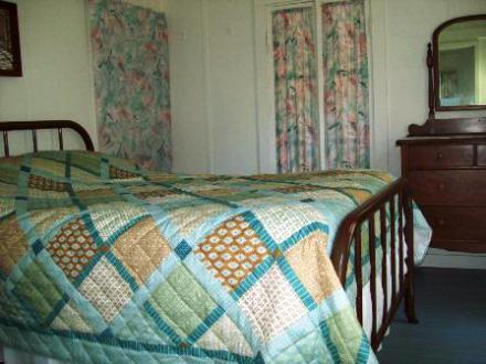 414_Oak_Bedroom_2_010