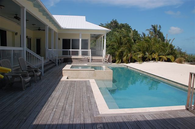 Turtle-Nest-Estate-Pool-Florida-Keys-Luxury-Rentals