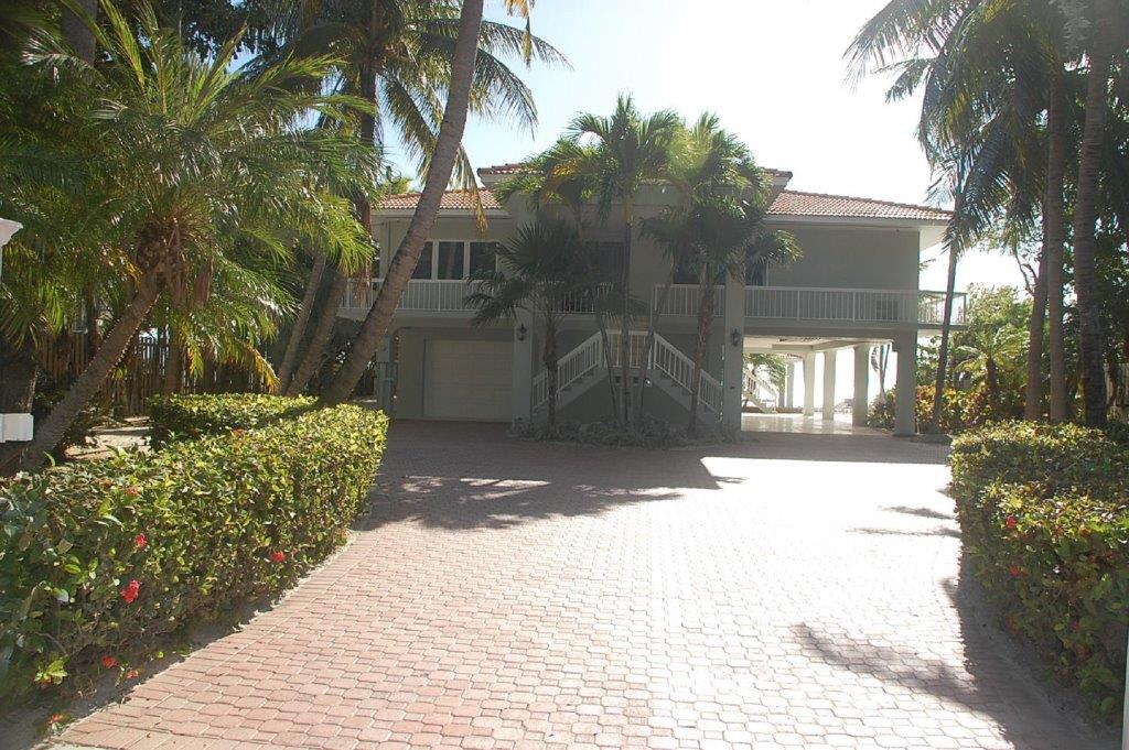 Serenity-Vacation-Home-Front-Florida-Keys-Luxury-Rentals
