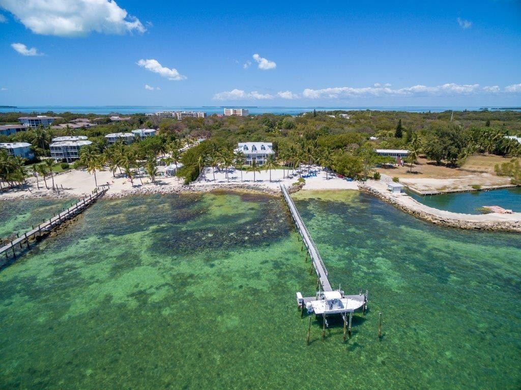Pineapple-Beach-Arial-Florida-Keys-Luxury-Rentals