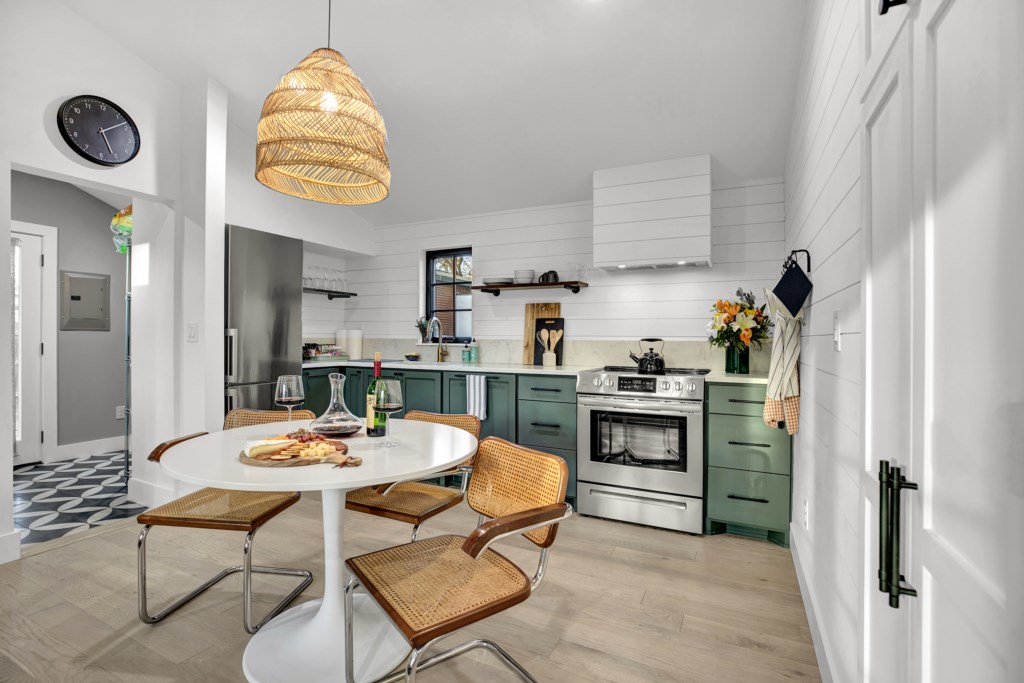 A fully stocked kitchen offers a great experience!