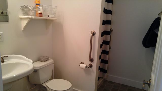 429peachdownstairsbathroom