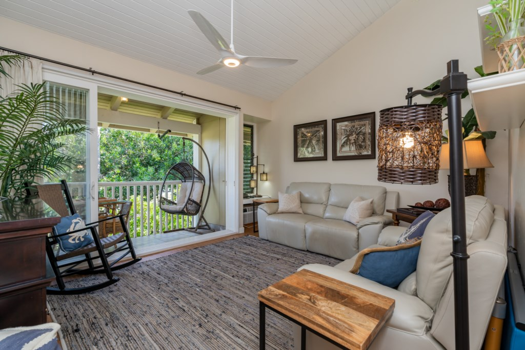 Living Room w/View of Covered Lanai