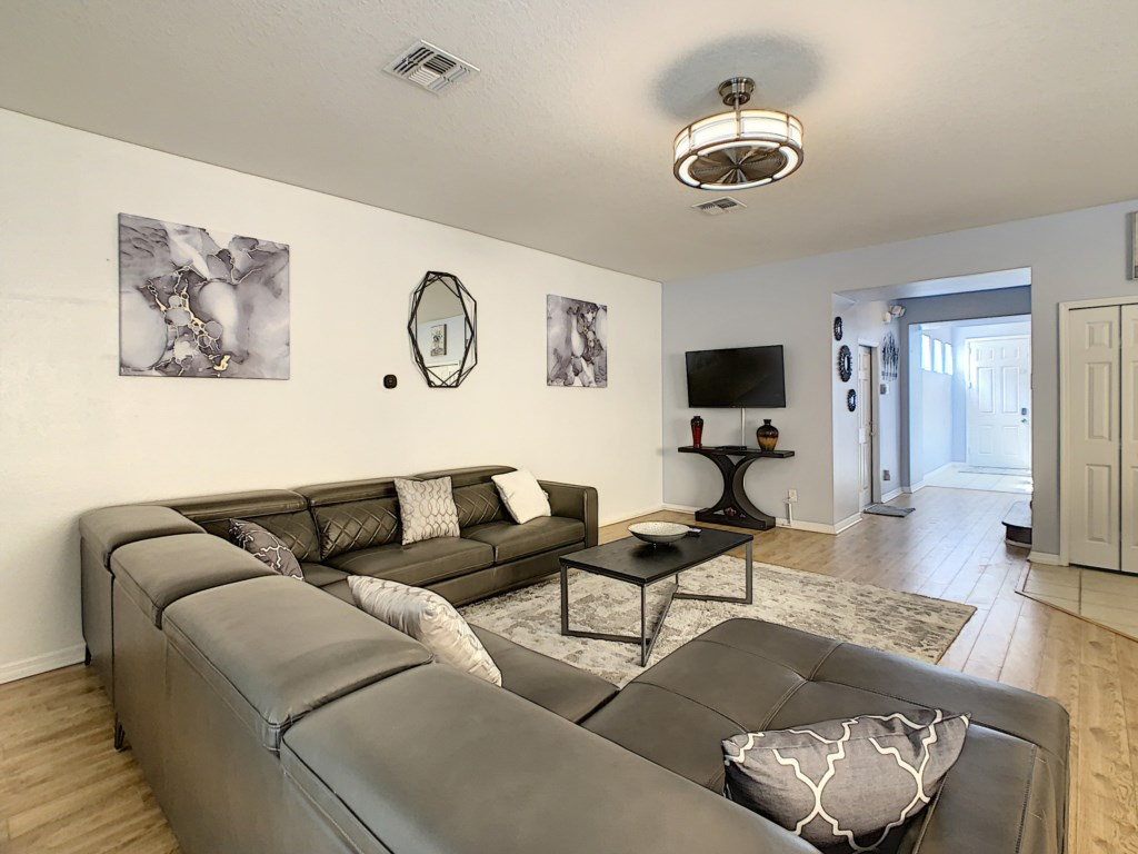 Spacious Living Area with large Sofa to accomodate everyone