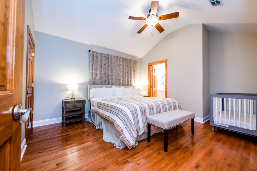 Bedroom #2 (King bed & Crib)