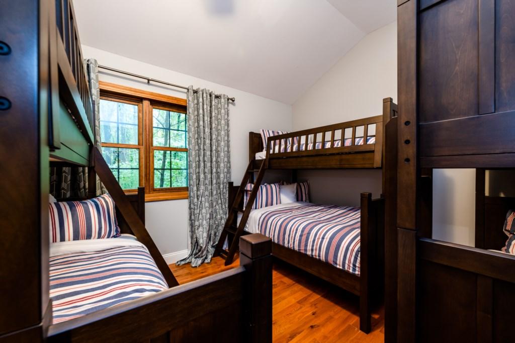 Bedroom #4 (Bunk bed room)