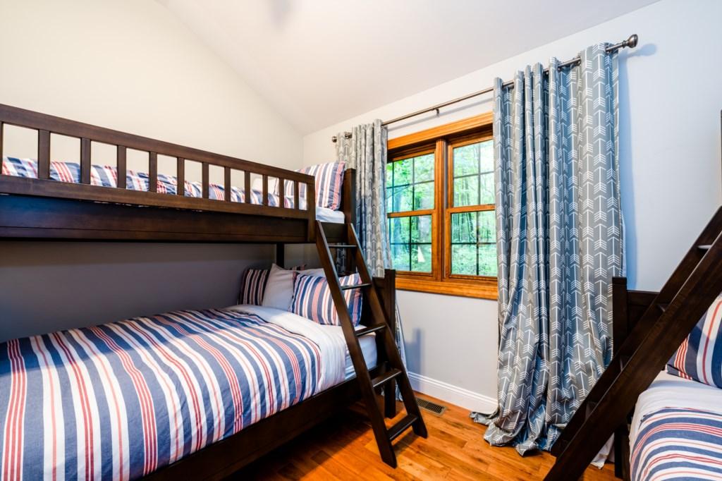 Bedroom #4 (Alt Angle)