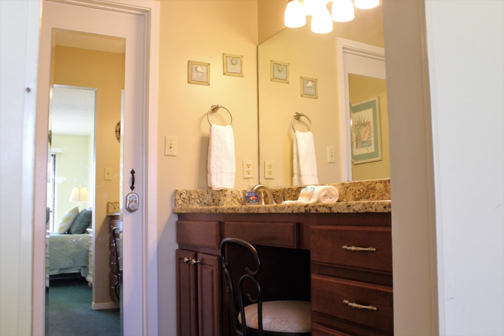 Bedroom 2 has attahced full bath w/ shower/tub combo