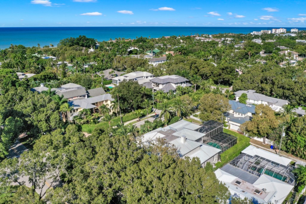 329 2nd Ave N, Naples, FL 34102 (76).jpg