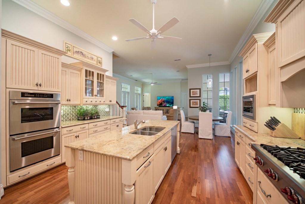 329 2nd Ave N Naples FL 34102-large-009-014-KitchenFamily-1499x1000-72dpi.jpg