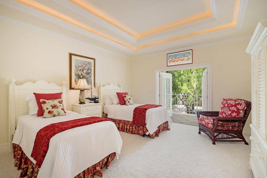 329 2nd Ave N Naples FL 34102-large-016-008-Bedroom4-1499x1000-72dpi.jpg