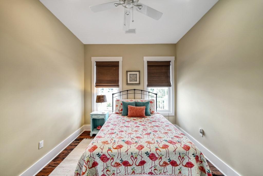 Queen Guests Room