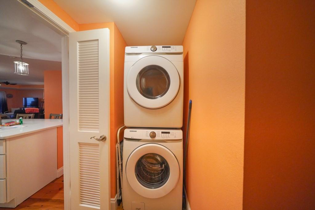 Full laundry in unit