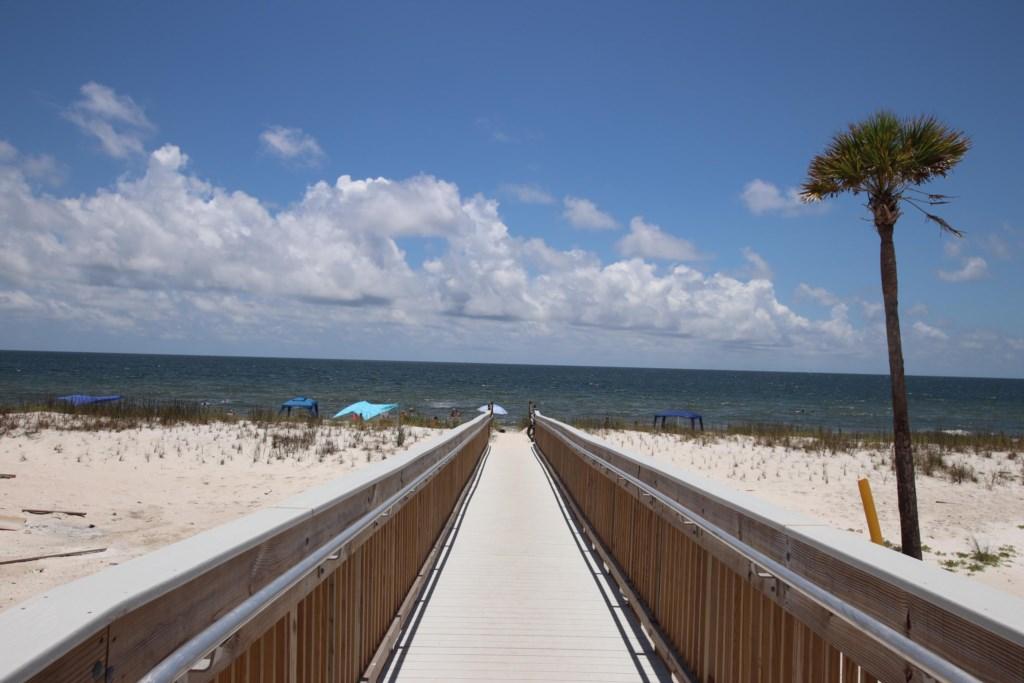 Easy beach access & stunning Gulf views