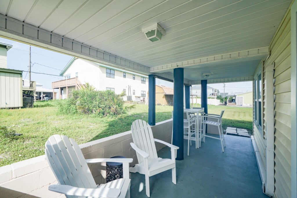 Covered patio with ample seating