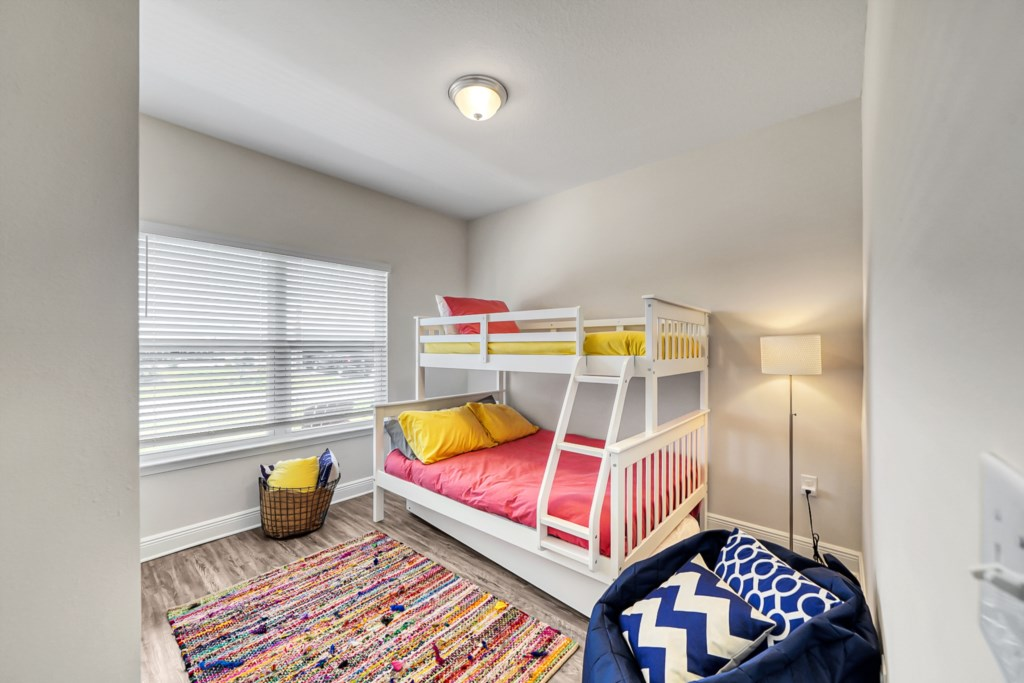 Guest room with 2 twins and full bed