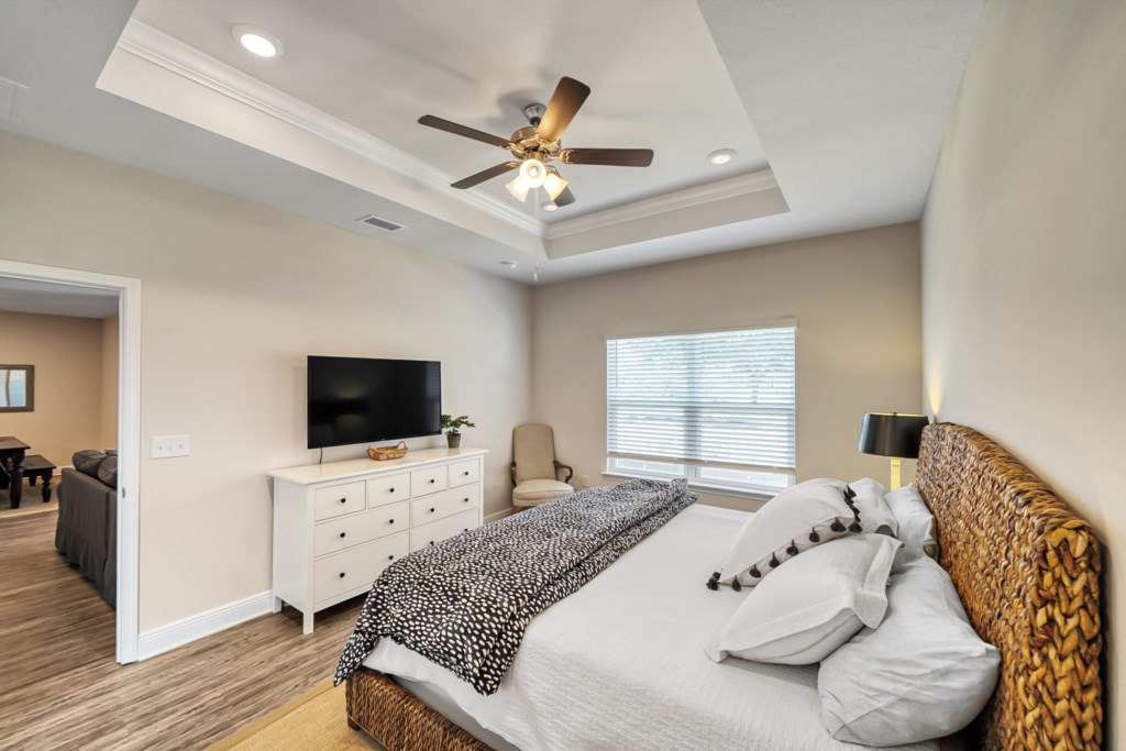 This master suite will wow; dibs