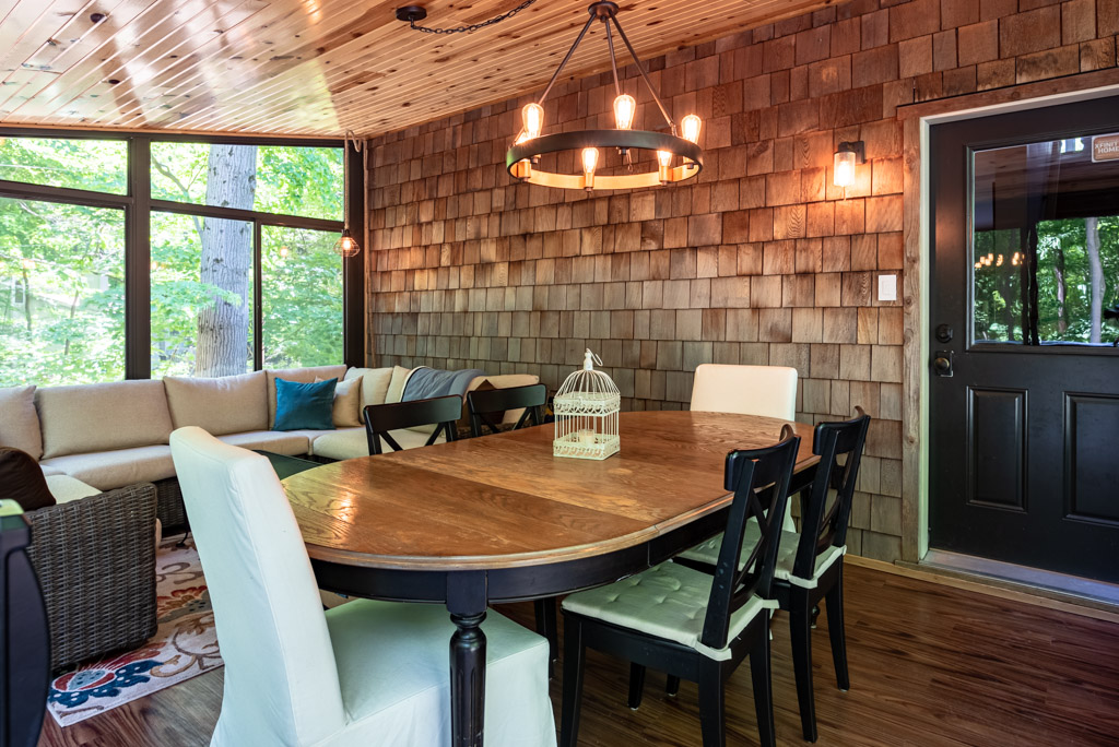 Beautiful Sunroom Perfect For Your Meals!