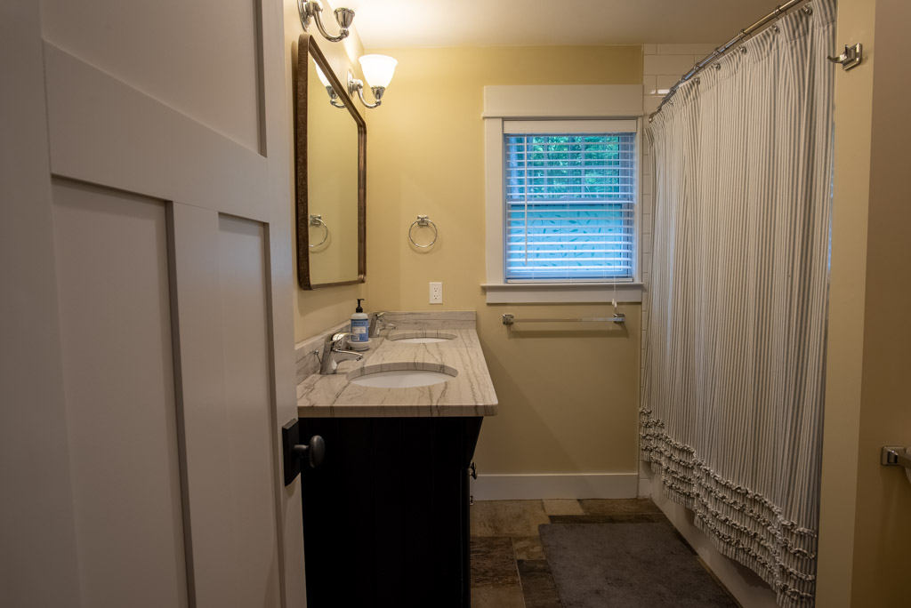 Bedroom #2 En Suite Full Bathroom
